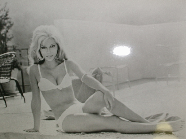 NANCY SINATRA - Bathing Beauty - Poster / Affiche